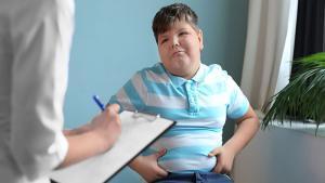 Çocuklarda Obezitenin Sebebi; Tablet Ve Telefon Bağımlılığı
