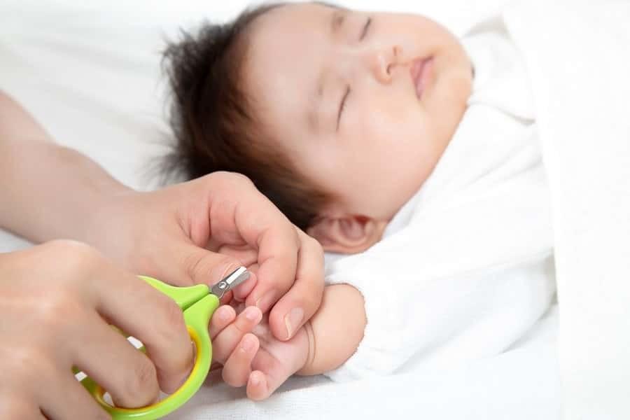 bebeklerde a dan z ye tirnak bakimi