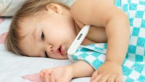 Bebeğinizin kusması fazla süt emdiği için değil hastalık sebebiyle olabilir