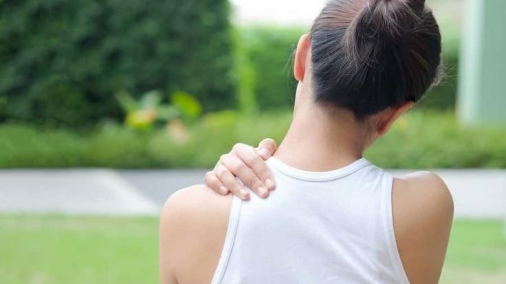 Omzunuzdaki sinsi hastalık;  'Donuk omuz sendromu'